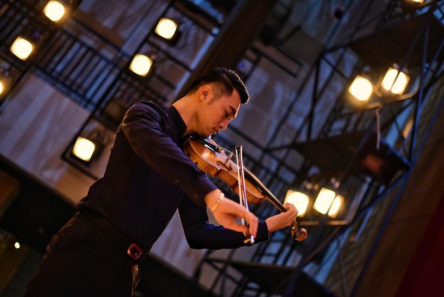 小提琴演奏