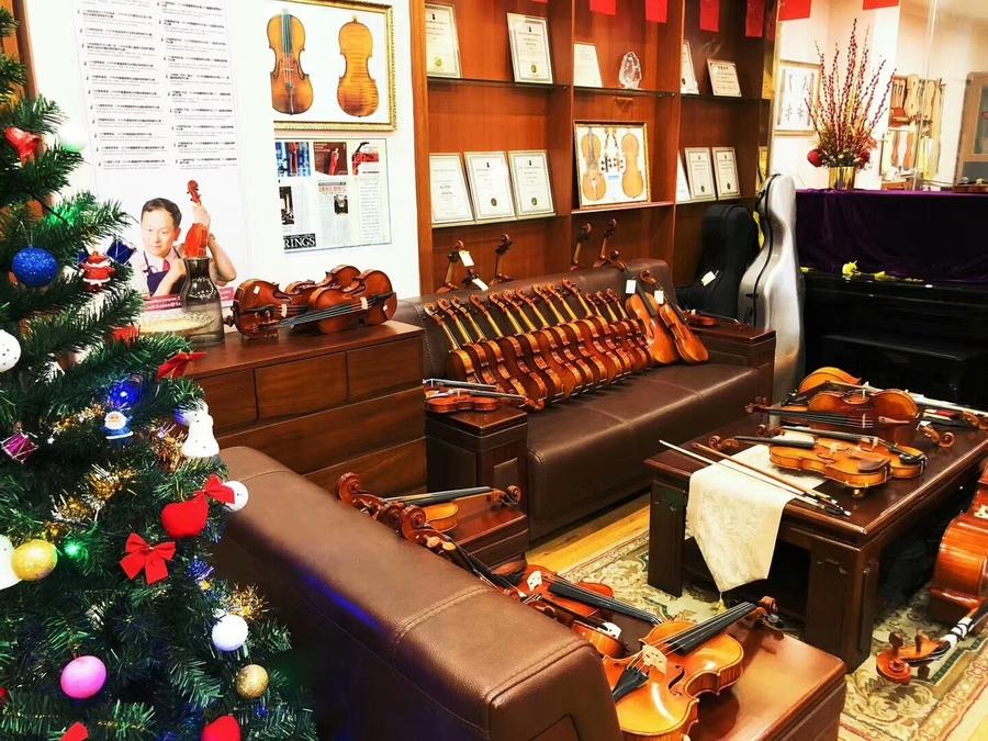 图为曹氏提琴专业级、演奏级小提琴