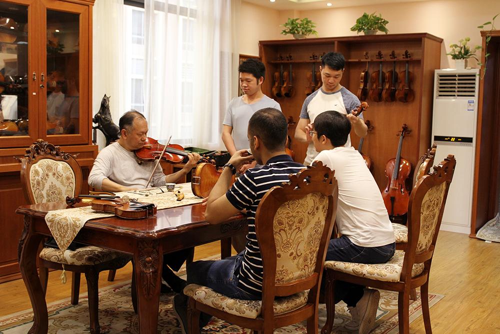 曹树堃大师从美国回来亲授提琴装配技术