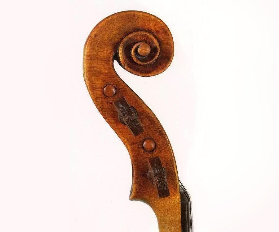 """瓜奈里·德·耶稣小提琴1731年""""Baltic""""旋首"""
