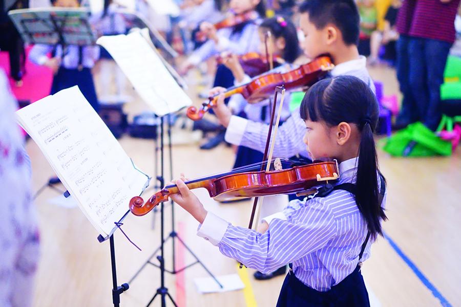 如何给小孩子选一把合适的琴?