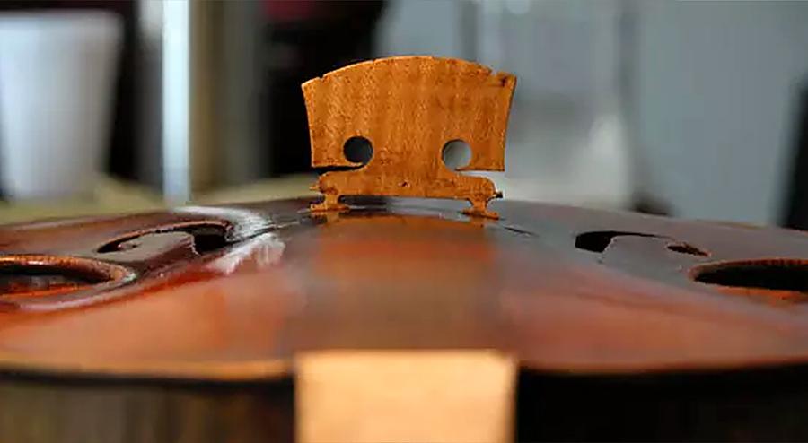 """耶稣瓜耐里1743年制造的小提琴""""大炮"""""""