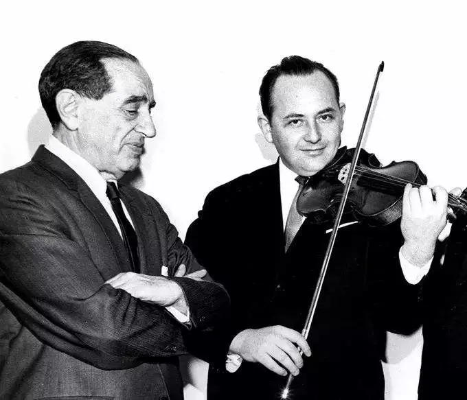 Rafael Bronstein 拉斐尔、布朗斯坦(《演奏科学》)