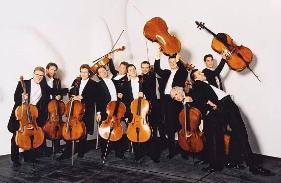 大提琴乐团